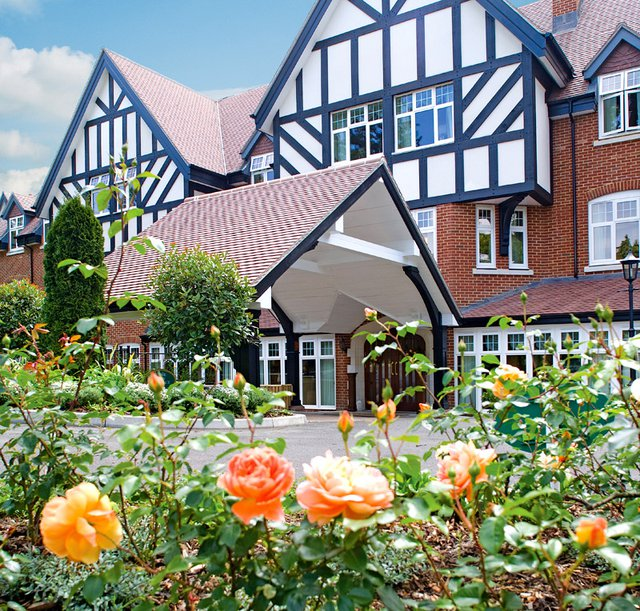 Sunrise of Weybridge Care Home in Weybridge exterior of home