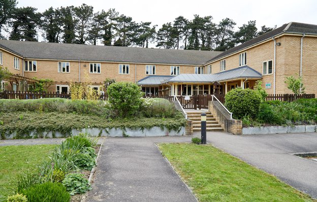Chater Lodge Care Home in Stamford exterior of home