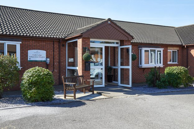 Castle Park Nursing Home in Hull exterior of home