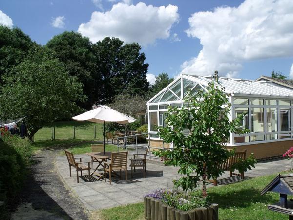 Agincare Edgehill Care Home Garden