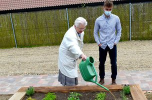 Care Homes Celebrate the 'Chelsea Flower Show'