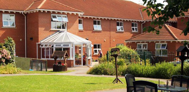 Aspen Court Care Home in Taunton Exterior