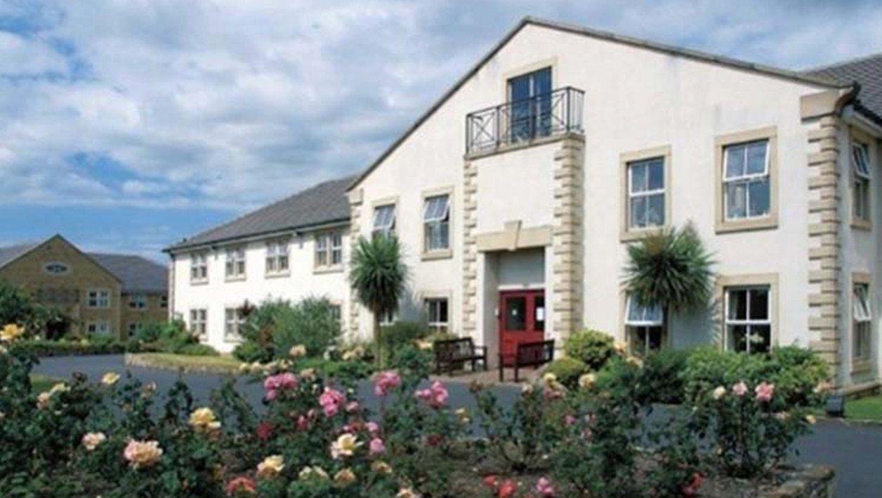 Manorcroft Care Home - Exterior of home