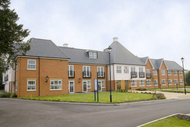 Cranmer Court Nursing Home in Warlingham exterior of property