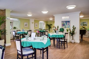 Dinning room at Cedar Lodge Nursing Home