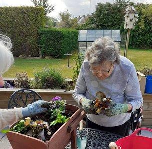 Lansdowne Hill Care Home garden