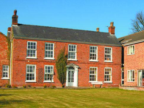 Manor Care Home in Spilsby exterior of home