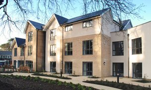Hall Grange Care Home in Croydon