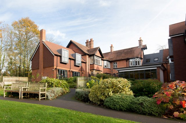 Hartwood House Nursing Home in Lyndhurst exterior of the home