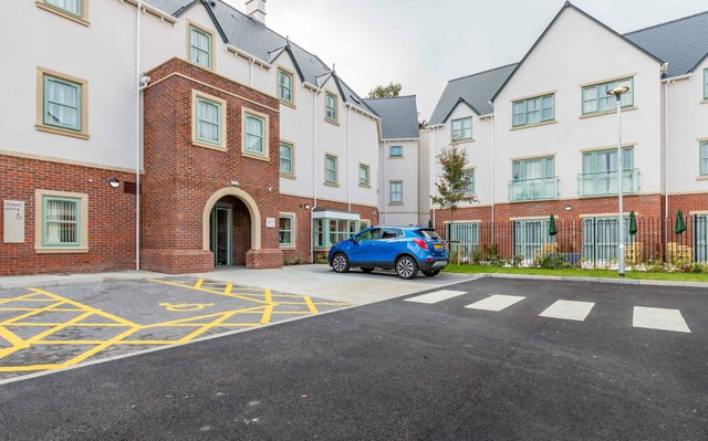 Highmarket House Nursing Home in Banbury exterior of property with parking