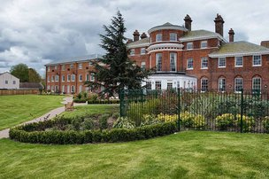Home of Compassion Nursing Home in Thames Ditton exterior of property