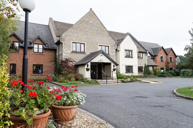 Longueville Court Nursing Home in Peterborough exterior of home
