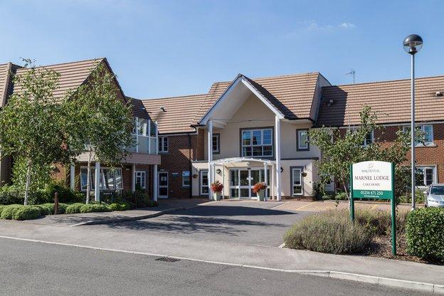 Marnel Lodge Nursing Home in Basingstoke exterior of home