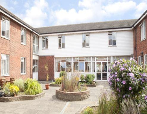 Chaplin Lodge Care Home in Wickford exterior of home