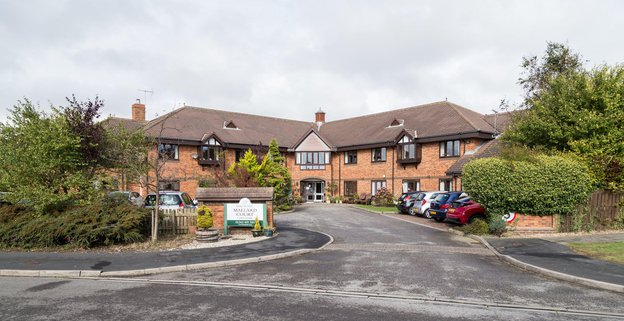 Mallard Court Nursing Home in Bridlington exterior of home