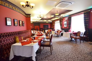 Bistro in Coombe Hill Manor