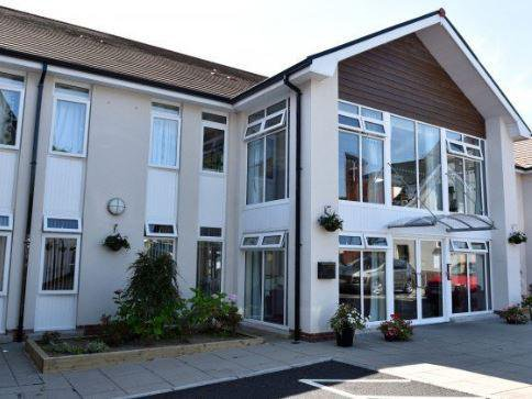 Oak Tree Manor Care Home in Belfast