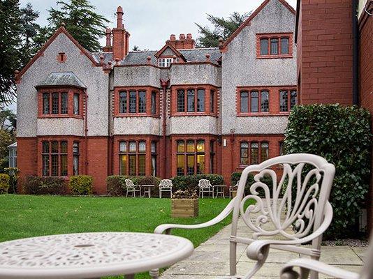 Redwalls Nursing Home in Northwich exterior of home with garden