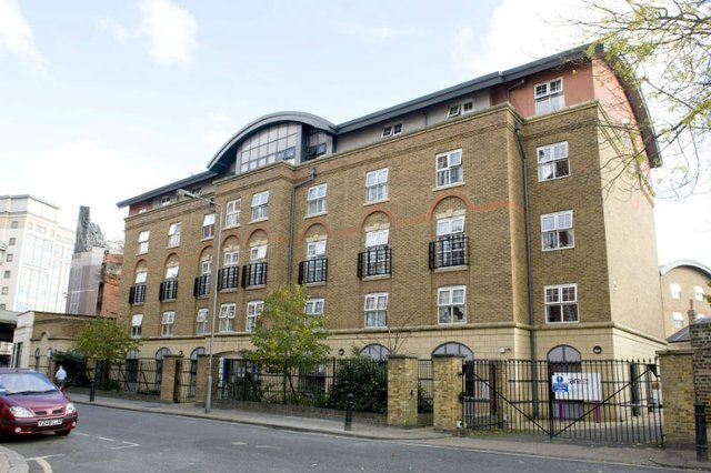 St Vincents House Nursing Home in London front exterior of home