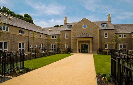 Tall Trees Nursing Home in Chipping Norton exterior of home