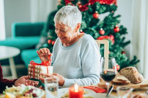 Top 5 Christmas Gifts for Older People