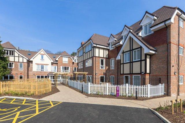 Weald Heights Nursing Home in Sevenoaks exterior of home
